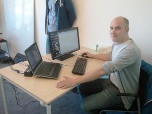 Thomas bei der arbeit im Raum Genf